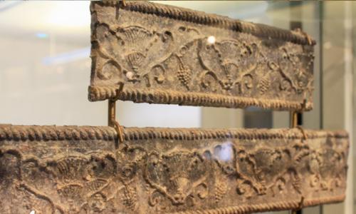 Lead Sarcophagus Panels | Panneaux de sarcophage de plomb