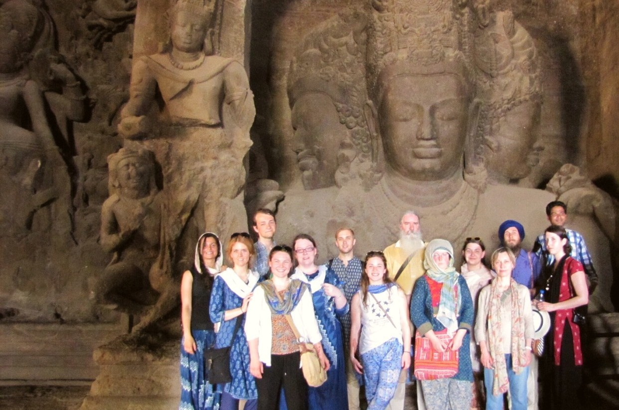 2015 class in front of the Heads of Shiva