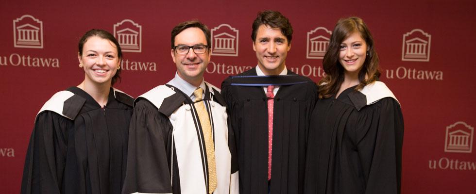 Major de promotion - 2017 - Kellie Forand, Kevin Kee - Doyen de la Faculté des arts, Erin Chapman, Justin Trudeau - Premier ministre du Canada