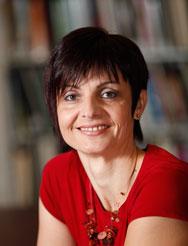 Alice Cocunubová, Archiviste de référence (CRCCF)