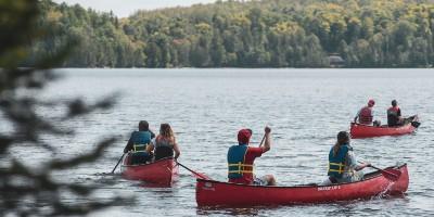 GEG/ENV students in canoe