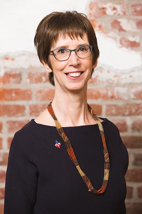 Professeure France Martineau décorée de l'Ordre des francophones d'Amérique
