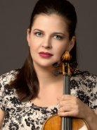 Jessica Linnebach photo with violin