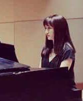 Jin Kim photo at piano