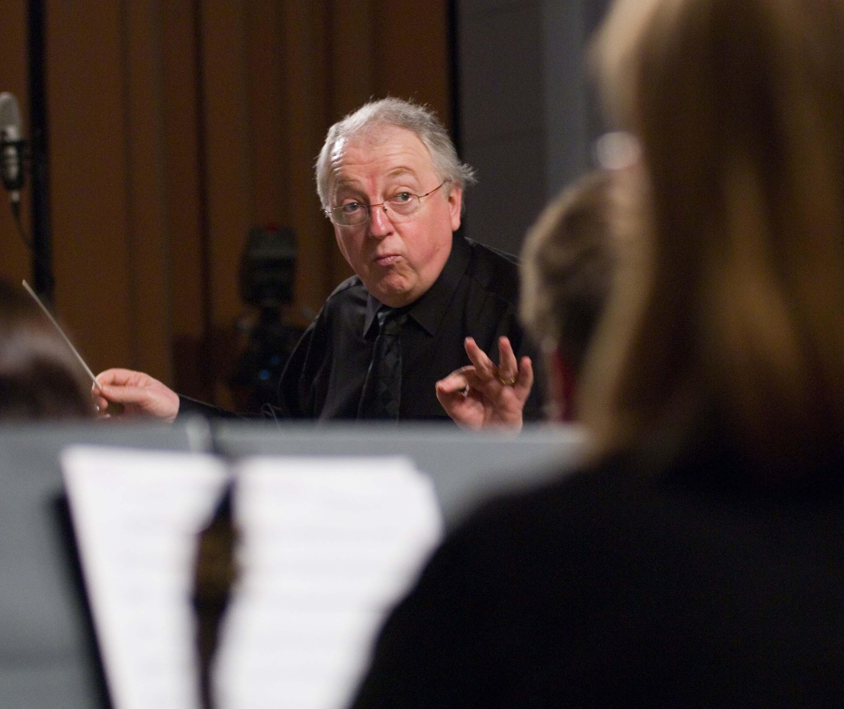 Daniel Gress conducting the uOttawa Wind Ensemble