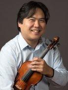 Yosuke Kawasaki photo with violin
