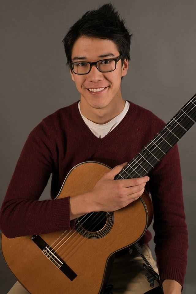 Silas Chinsen photo, with guitar