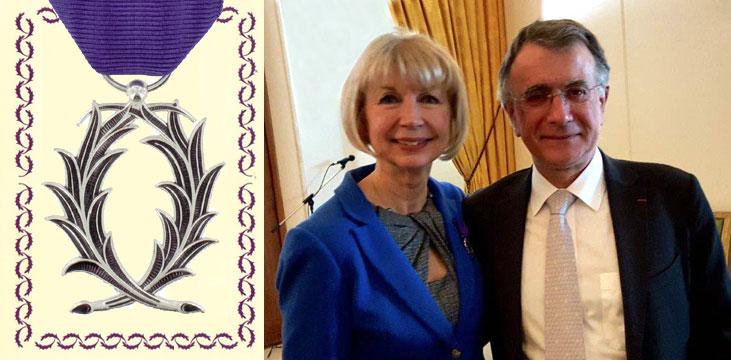 Ruby Heap, professeure d'histoire et ancienne vice-rectrice associée à la recherche, recevra le 8 mars les insignes de Chevalier de l'Ordre des Palmes académiques.