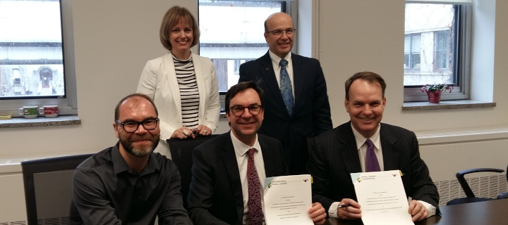 Signing of the new collaboration agreement December 5, 2018. Nathalie Laliberté, Vice-President - Parliamentary Services and Interpretation, Translation Bureau; Stéphan Déry, CEO, Translation Bureau, Ryan Fraser, Co-Chair, School of Translation and Interp